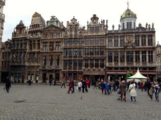 La Grand Place, Le Roy d'Espagne y otros edificios de estilo barroco españolo
