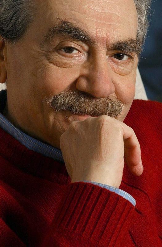 """ISIDORO BLAISTEN. EL ESCRITOR FALLECIO HOY A LOS 71 A""""OS. ULTIMAS FOTOS DEL DIARIO TOMADAS PARA LA ENTREVISTA A ITELECTUALES. 10_08_04"""