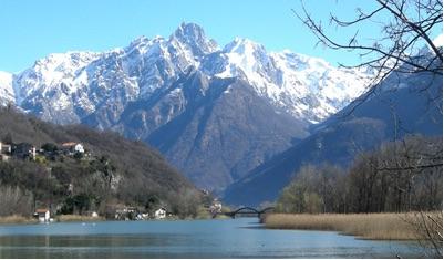 "<span style=""font-size: x-small;"">Lago di Mezzola y Plan di Spagna</span>"