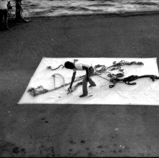 Imagen: Leandro Soto 'El Hombre y los estrobos' Cienfuegos, Cuba 1979.
