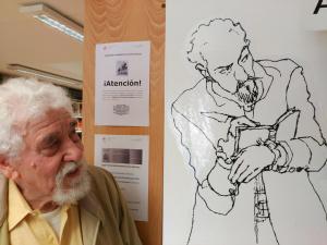 Antonio en la biblioteca del Instituto Cervantes de Milán